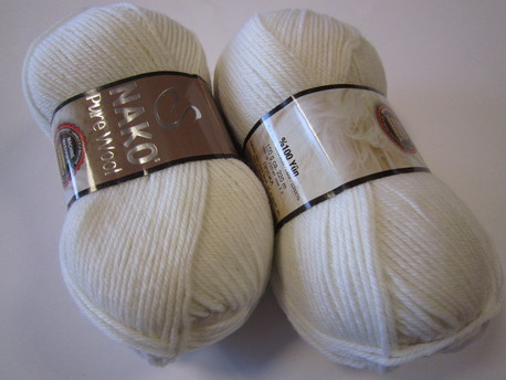 Main pure wool nako 208 balta