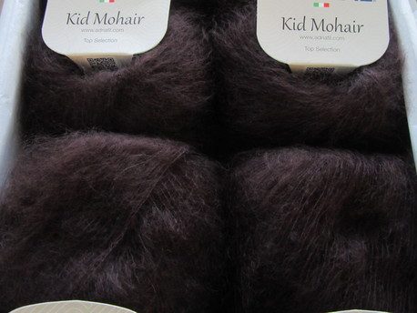 Main kid mohair 027 t bruna